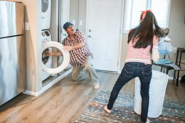 便捷与健康兼顾TCL C12复式分类洗衣机帮你解决