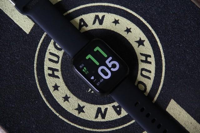 百元omthing简悦智能手表,玩噱头还是来真格?